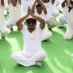 யோகா பயிற்சி செய்தார் விஜயகாந்த்! (வீடியோ)