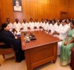 நாடாளுமன்றக் கூட்டம்: அதிமுக எம்.பி.க்களுடன் ஜெயலலிதா ஆலோசனை!