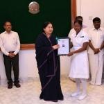 7243 செவிலியர்களுக்கு பணி நியமன ஆணை: ஜெயலலிதா வழங்கினார்