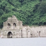 400 ஆண்டுகளாக நீரில் மூழ்கிய தேவாலயம்: மீண்டும் தெரிவதால் மக்கள் பரவசம்!