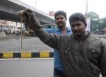 பள்ளிப் பேருந்தில் புகுந்த  கண்ணாடிவிரியன் பாம்பு... அலறி ஓடிய மாணவர்கள்!