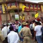 திப்பு சுல்தான் ஜெயந்தி விழாவுக்கு எதிராக விஎச்பி போராட்டம்: ஒருவர் பலி- கர்நாடகாவில் பதற்றம்