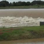 பூண்டி ஏரியில் மீண்டும் நீர் திறப்பு: புழல் ஏரியில் கசிவு- அச்சத்தில் கரையோர மக்கள்!
