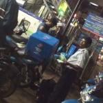 சென்னையில் அரை லிட்டர் ஆவின் பால் 50 ரூபாய்க்கு விற்ற காட்சி (வீடியோ)