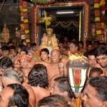வைகுண்ட ஏகாதசி: பெருமாள் கோயில்களில் அதிகாலை சொர்க்க வாசல் திறப்பு!