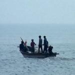 தமிழக மீனவர்கள் 20 பேர் கைது: இலங்கை கடற்படை மீண்டும் மீண்டும் அட்டூழியம்!