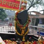 திருடர்கள் புகவே பயப்படும் கிராமத்தில் சனி பகவானுடன்   மல்லுக்கு நிற்கும் பெண்கள்!