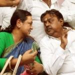 அடம் பிடித்த விஜயகாந்த், சமாதானப்படுத்திய பிரேமலதா...! இது வேட்புமனு களேபரம் (வீடியோ)