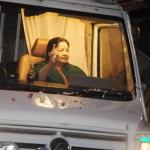 அ.தி.மு.க தேர்தல் அறிக்கையின் இலவசங்கள் இதுதான்...! -ஆர்.கே.நகர் 'அமாவாசை சென்டிமெண்ட்'