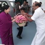 'ஸ்டாண்ட் - பை 'சி.எம்' அந்தஸ்து..?!'- வைத்திலிங்கத்தை சாய்த்த சூழ்ச்சி