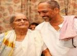சம்பாத்தியத்தில் 90 சதவீதத்தை நன்கொடையாக வழங்கிய சூப்பர் ஹீரோ!