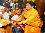 கர்நாடகாவில் கோயில் அர்ச்சகர்களான தலித் பெண்கள்!