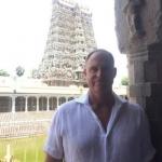 மீனாட்சி அம்மன் கோயிலில்  மேத்யூ ஹேடன்!