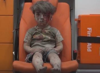 CNN reporter cries while sharing video of Syrian boy #KateBolduan #OmranDaqneesh