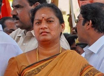 சசிகலா புஷ்பாவுக்கு உச்ச நீதிமன்றம் 'செக்'..! மதுரை உயர்நீதிமன்றத்தில் ஆஜராக உத்தரவு