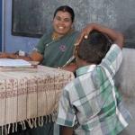 'ஏற்றிவிட்ட ஏணிப்படிகளை என்றைக்கும் மறக்க வேண்டாம்....!' #HappyTeachersDay