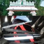 புத்தகப் பையில் ஆயுதக் குவியல்..! மிரள வைத்த சென்னை மாணவர்கள்