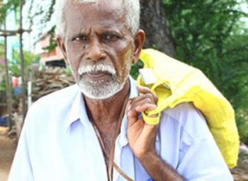 தப்பில்லாம திருக்குறள் சொன்னால் பத்து ரூபா...!