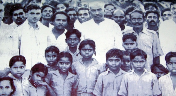 Kamarajar With Children