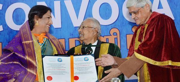 கிராம மக்களுக்கு பரதம் புரியாது என்பது மாயை: 'பத்மஸ்ரீ' விருது பெற்ற நர்த்தகி நடராஜ் சிறப்புப் பேட்டி 14641980_892139364251049_6141504043809387073_n_17031