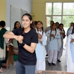 இந்தியப் பெண்களுக்கு தற்காப்புக் கலை கற்றுத் தரும் கலிஃபோர்னியா மாணவி! #taekwondo