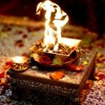 இந்துக்களுடன் இணைந்து யாகம் செய்யும் இஸ்லாமியர்கள்