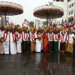 ஜெயலலிதா நலம்பெற கட்சியினர் பால்குடம் எடுத்து வழிபாடு!