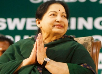 Emotional moments between jayalalitha and her servants