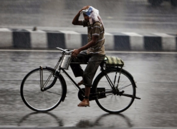 Rain to spoil diwali celebrations in chennai