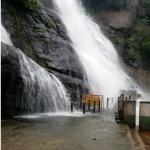 கனமழை,வெள்ளம்: குற்றாலத்தில் குளிக்க தடை