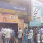 'வங்கிகள், ஏ.டி.எம் வாசல்களில் காத்திருக்கும் மக்களுக்கு உதவ விருப்பமா...?- வாருங்கள் கரம் கோர்ப்போம்' #ChennaiTricolor #CurrencySwitch #IdhuNammaChennai