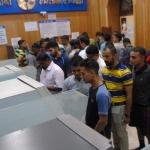 இந்தியாவெங்கும் வங்கி, ஏ.டி.எம் களில் காத்திருந்த 33 பேர் மரணம்!
