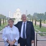 மனைவியுடன் தாஜ்மகால் சென்ற இஸ்ரேல் அதிபர்!