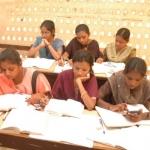 TNPSC போன்ற அரசுத் தேர்வுகளில் ஜெயிக்க இந்த  5 விஷயங்கள் முக்கியம்!