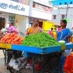 'செல்லாத ரூபாய் நடவடிக்கையால் சிதைந்த சிறுவணிகர்கள் வாழ்க்கை'