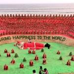 மணலில் 1,000 கிறிஸ்துமஸ் தாத்தா: சுதர்சன் பட்நாயக் உலக சாதனை!
