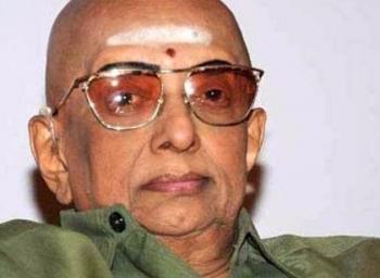 துக்ளக் பத்திரிக்கையின் ஆசிரியரும் , அரசியல் விமர்சகருமான