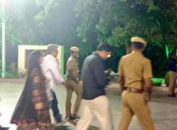 ஜெயலலிதா சமாதியில் நடிகர் அஜித்குமார் அஞ்சலி!
