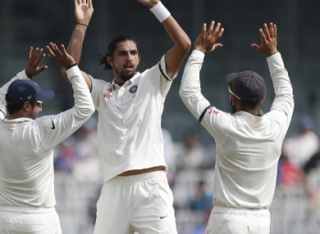 England fans watched the match without shirts. Chennai fans praise England batsmen too. Updates from day 1 of #IndVSEng