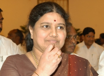 How meetings with Sasikala are being organized?, shares ADMK district secretary