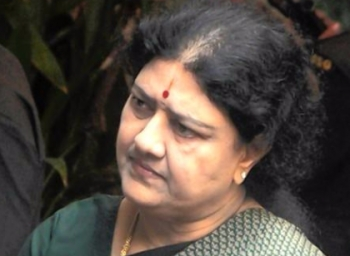 ADMK Cadres Meet Sasikala but she remains in Silent Mode