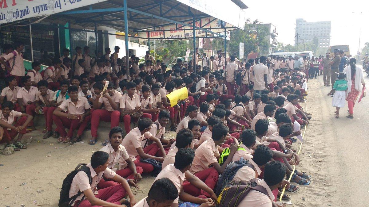 Students protest for Jallikattu