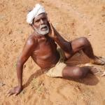 'இந்த நிலமா... நானானு பாத்திடறேன்...!' வறட்சியோடு மல்லுக்கட்டும் விவசாயி! நேரடி ரிப்போர்ட் #SaveFarmers