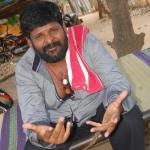 'தீபாவால முடியாது.  கட்சிக்கு சின்னம்மாதான் தேவை!'  கஞ்சா கருப்புவின் 'லாஜிக்'