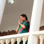 எம்ஜிஆருக்கு சசிகலா மரியாதை! நலிந்த அதிமுகவினருக்கு நிதியுதவி