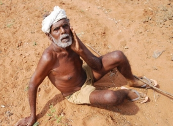 Live Report : Story of a farmer who Struggles for Survival