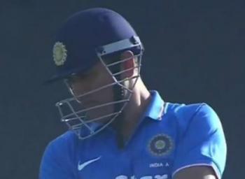 Dhoni hits 68 runs in 40 balls in Last match as captain Vs Engalnd