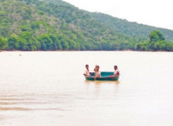 Kids Risking Their Lives to Reach School Near Coimbatore