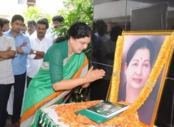 Sasikala family shocked over opposition for her leadership