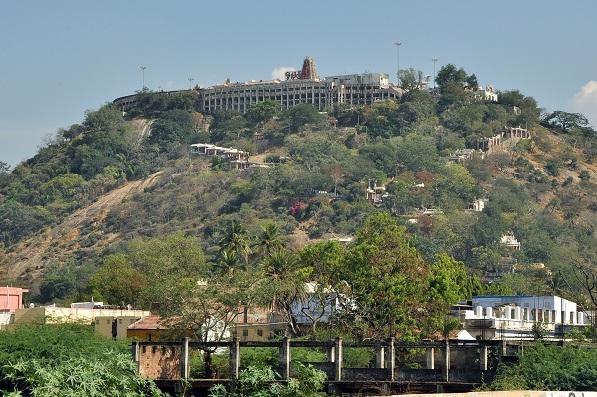 ஜெயலலிதா - பழநிமலை